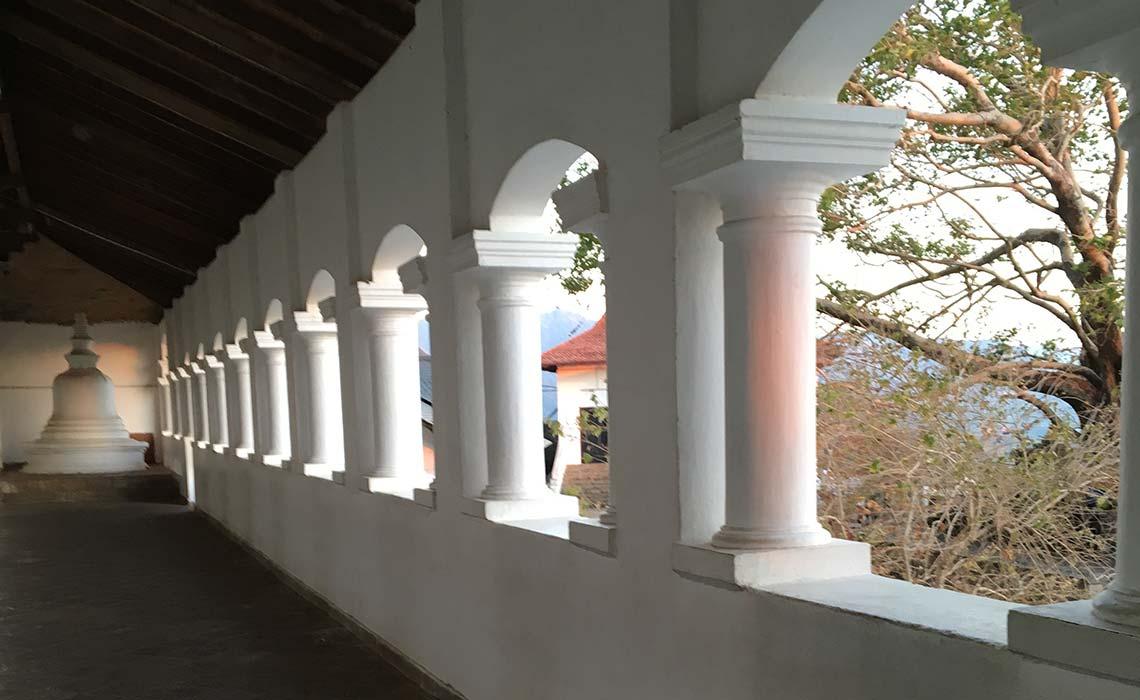 寺院の廊下